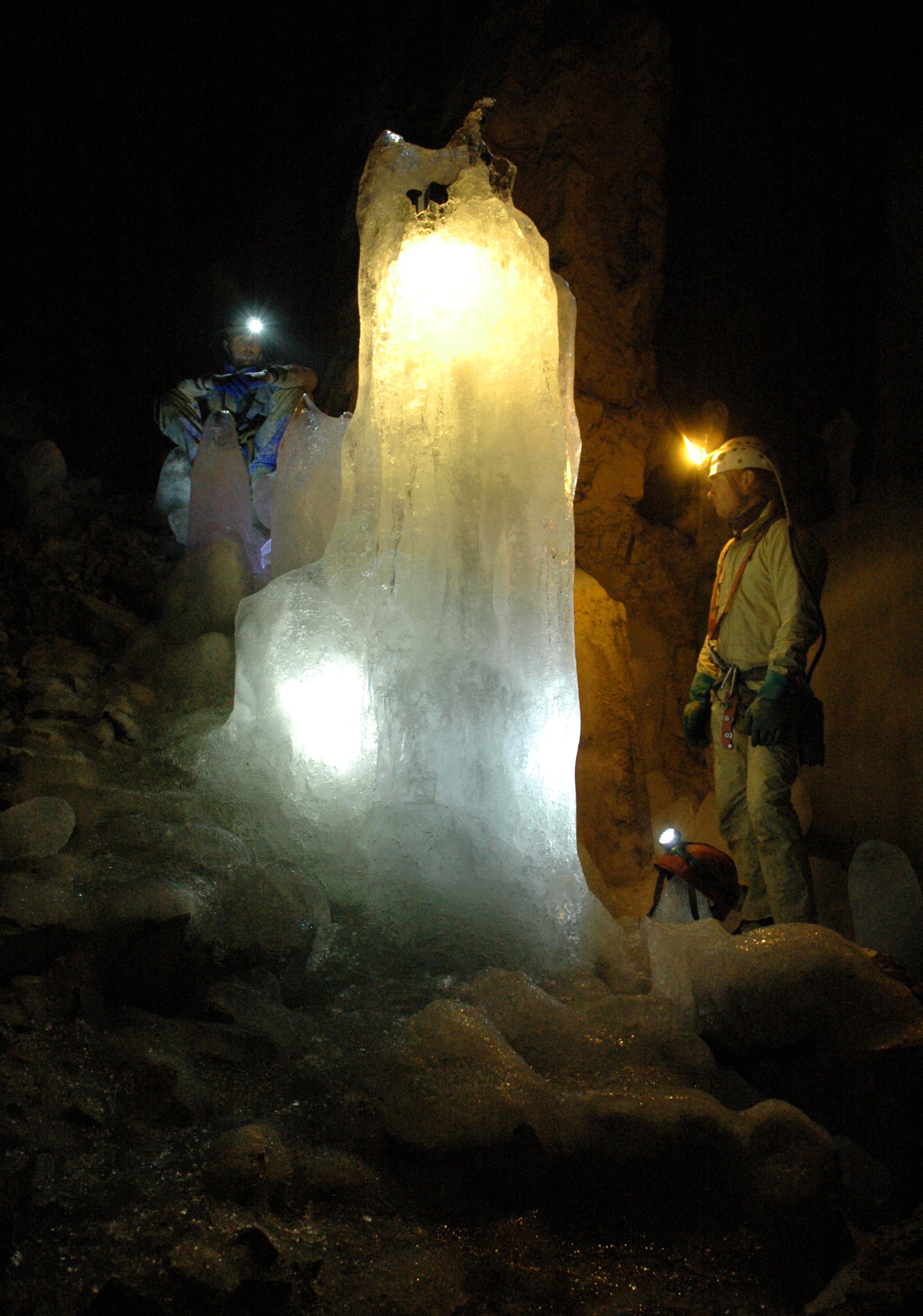 Prokletije jaskinia Lodowa_3 Mariusz Woźniak